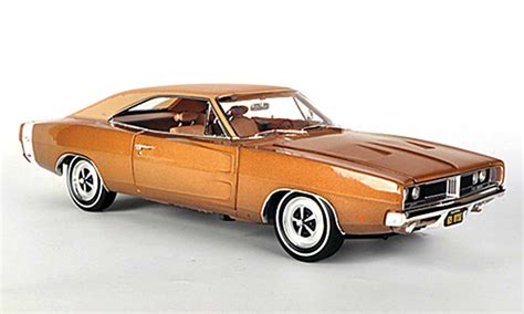 1968 Dodge Charger R T Bronze 1 18 Auto World 1075 dodge charger 1968 miniature r t se bronze mattbeige ertl 1 18 voiture miniature