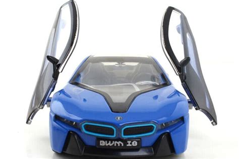 Bmw I8 Skala 1 32 36 Kinsmart Diecast Miniatur 1 32 scale blue white silver diecast bmw i8 car aa02c0015 vktoybuy