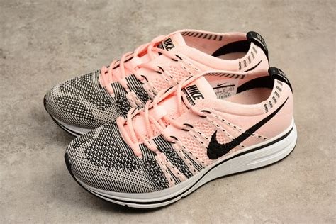 nike flyknit trainer sunset tint black white for sale