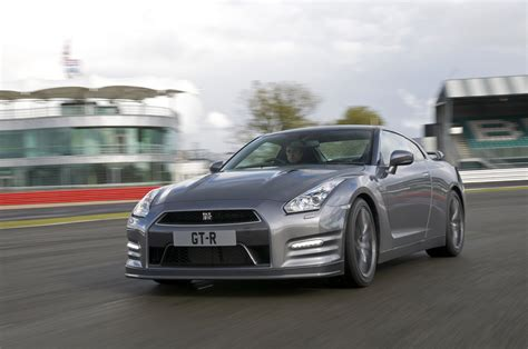 skyline nissan r35 2013 nissan gt r r35 10 87 seconds at 1 4 mile with 201 km h