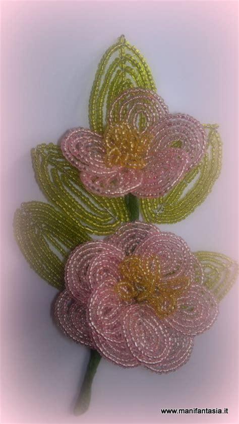 fiori con perline schemi tutorial fiori di perline la camelia manifantasia
