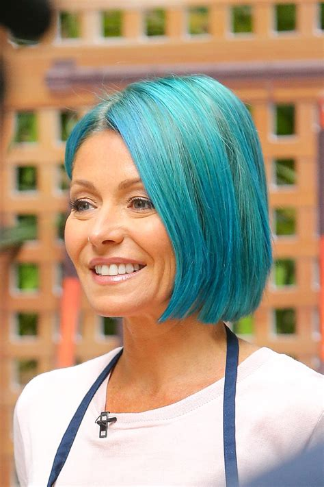 kelly ripper hair style now kelly ripa debuts bright blue hair today s news our