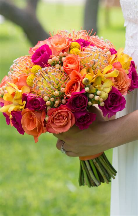 Best Wedding Magazines 2016 by Best Wedding Bouquets Of 2016 The Magazine