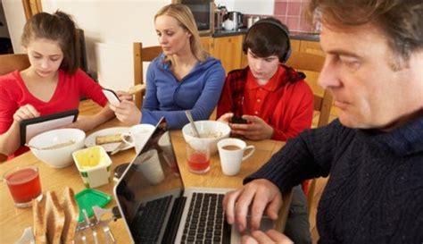 Dorami And The Kid Iphone Dan Semua Hp realiti zaman sekarang migha s story