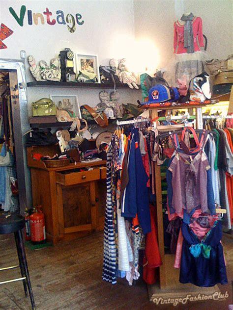 vintage clothing shopping