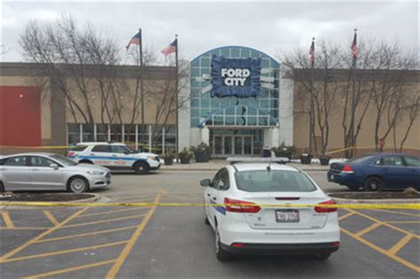 ford city fired at ford city mall during jewelry store robbery