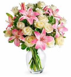 Single Rose In Vase Lily Amp Rose Birthday Bouquet Flower Bouquets A Dramatic