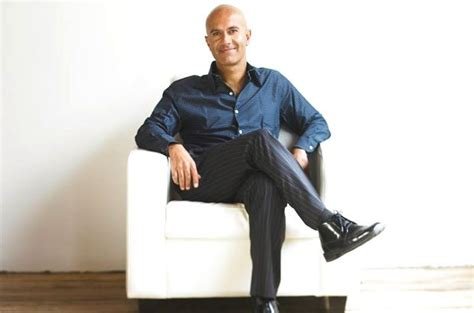 30 inspirational robin sharma quotes to live by