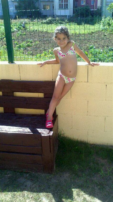 young little girl models spread icdn ru little girl legs hairstylegalleries com