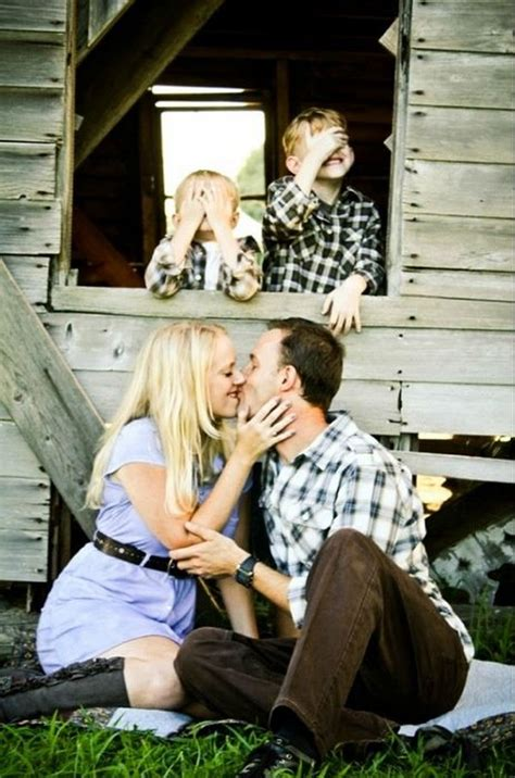 Family Picture Ideas - 20 and creative family photo ideas hative