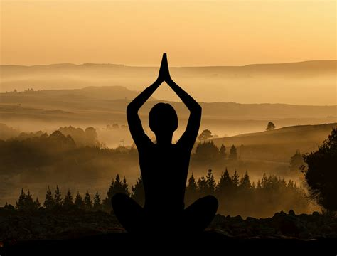 images meditate meditation peaceful silhouettes