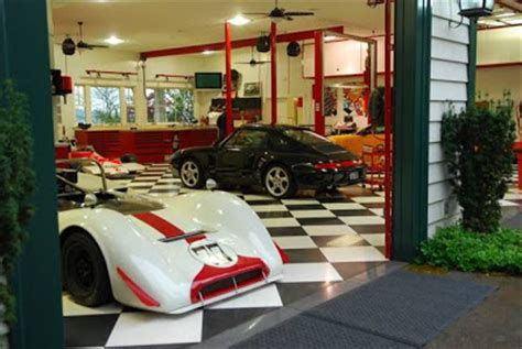 Cool Car Garages by Just Cool Pics Cool Garages For Super Cool Cars