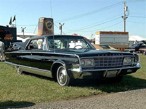65 Chrysler New Yorker by New Yorker