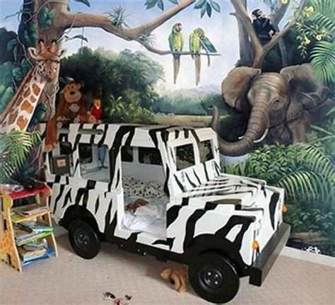 hometalk jungle themed bedroom choosing a theme for your kid s bedroom is always a fun
