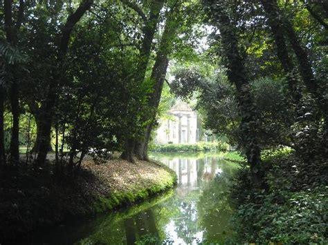 reggia di caserta giardino inglese giardino inglese foto di reggia di caserta caserta
