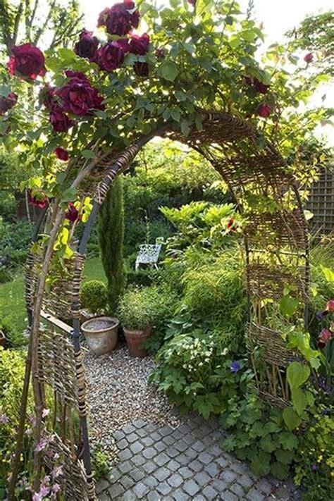 Garden Arbor Path Garden Arch Trellis Lovely Gardens