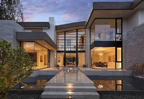 modern mansions 13 5 million newly built modern mansion in los angeles