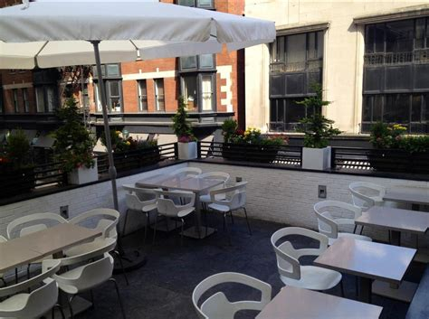 top bars in philadelphia 10 awesome rooftop bars in philadelphia business insider