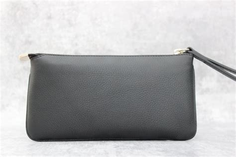 J Gucci Soho Kas gucci black leather soho wristlet at s consignment