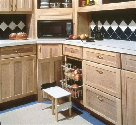 Cabinet Step Stool by 17 Best Dh Kitchens Images On Custom Homes