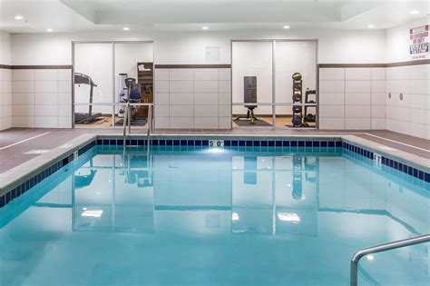 comfort inn and suites omaha comfort suites west omaha in omaha hotel rates reviews