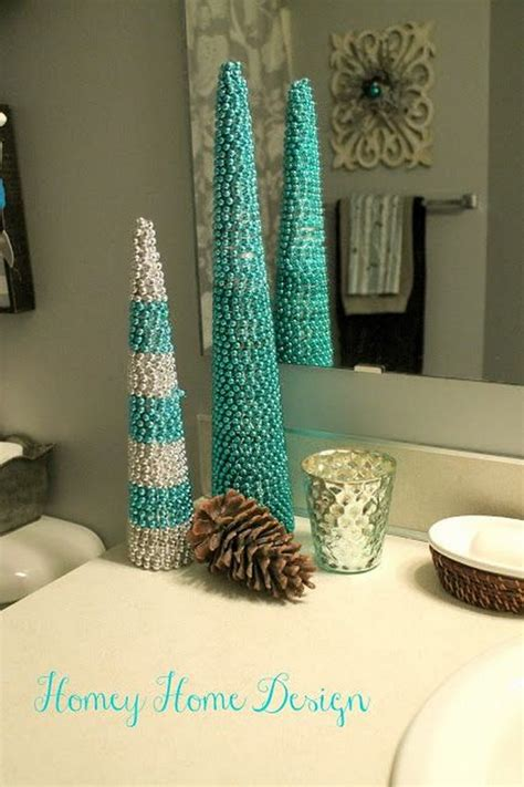 festive bathroom decorating ideas  christmas