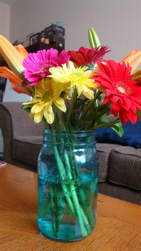 Jar Wedding Flower Arrangements by 17 Best Ideas About Jar Arrangements On