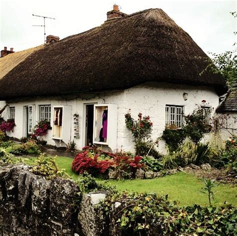 thatched cottages in ireland thatched cottage in adare about 25 mins drive