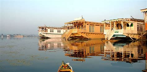 kashmir house boats kashmir houseboat tour kashmir houseboat packages