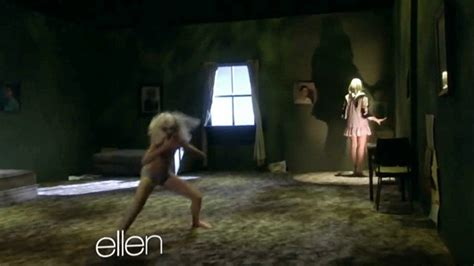 Chandelier On Ellen Watch Sia S Chandelier Coolest Thing You Ll See Today