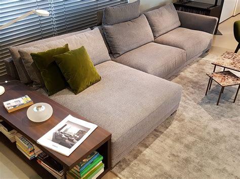 divani poliform prezzi divano con penisola in tessuto poliform a prezzo scontato