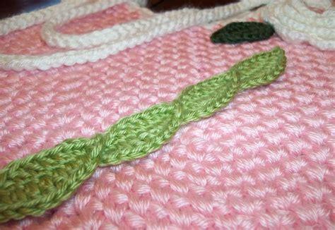 Free Crochet Pattern Leaf Garland | the hook hound trailing vines leaf garland free crochet