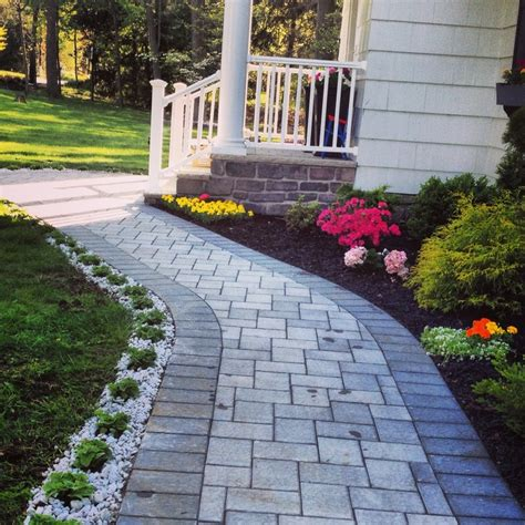 Walkway Decorations by 25 Best Ideas About Front Walkway On Walkway Sidewalk Ideas And Walkways