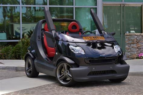 Tv Mobil Atap mobil mungil smart crossblade tanpa atap pintu dan kaca