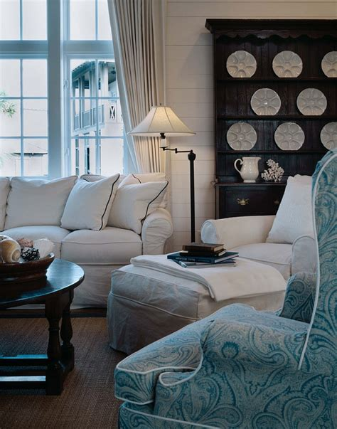 slipcovered living room chairs interior design ideas home bunch interior design ideas