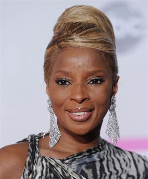 mary j blige hairstyles pictures mary j blige retro updo mary j blige looks stylebistro