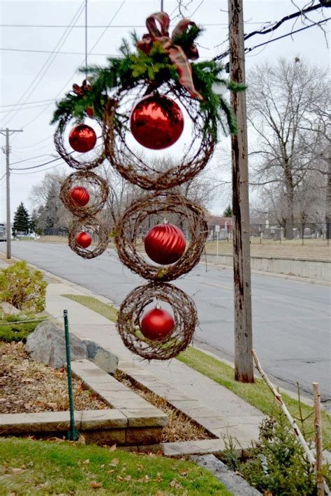 outdoor christmas decorations 95 amazing outdoor christmas decorations digsdigs