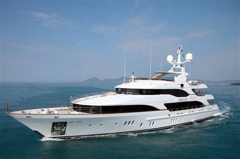 yacht in hindi luxury yacht companies india
