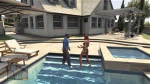 peoples home gta 5 swimming in rich peoples pools