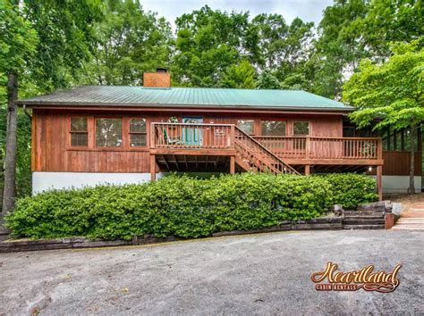 4 bedroom cabins in gatlinburg tn diamond in the rough 4 bedroom cabin in gatlinburg tn