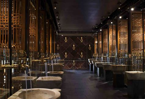 nightclub bathroom lavo las vegas
