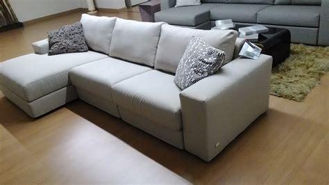 divano doimo prezzo divano doimo salotti slide divani a prezzi scontati