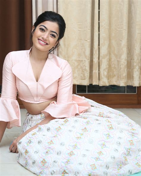 geetha govindam movie heroine photos hd rashmika mandanna new latest hd photos chalo geetha