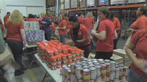 family dollar food family dollar donates 4 5 million meals to feeding america and local food banks