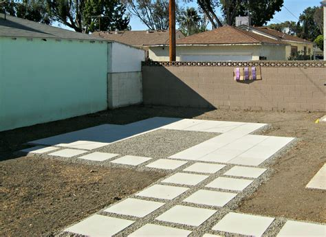 Painting On Concrete Wall by Painting Outdoor Concrete Walls Lynda Makara