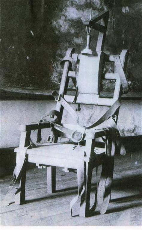 chaise electrique execution la plume et le rouleau 200 chroniques originales