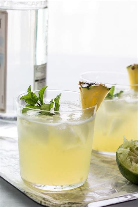 Links Pineapple Mojito by 25 Best Ideas About Pineapple Cocktail On