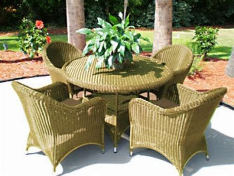 How To Restore Wicker Patio Furniture by Restore Rattan Furniture Garden Park