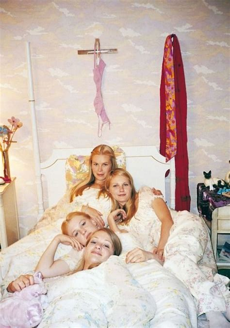 Virgin Suicides 1999 Full Movie The Virgin Suicides 1999 90 S Pinterest