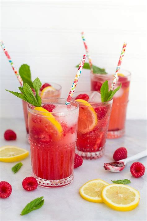 alcoholic raspberry lemonade spritzers   perfect